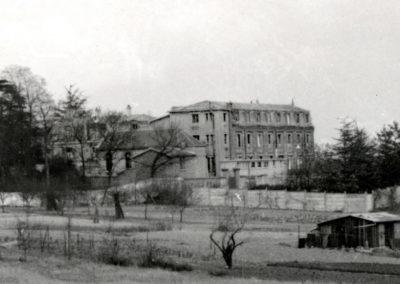 10 Le couvent du Londeau avec la chapelle en 1964